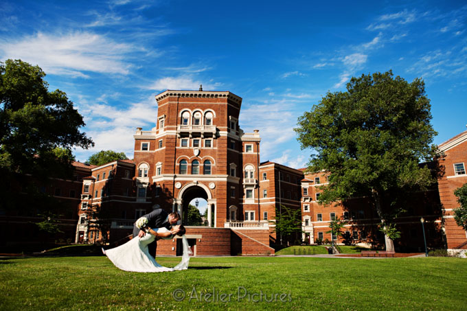 The architecture at Oregon State University creates a beautiful backdrop for weddings